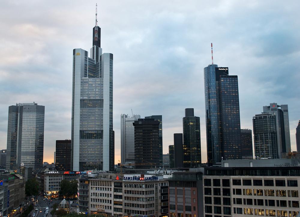 Коммерцбанк-Тауэр в Германии. Архитектор Норман Фостер