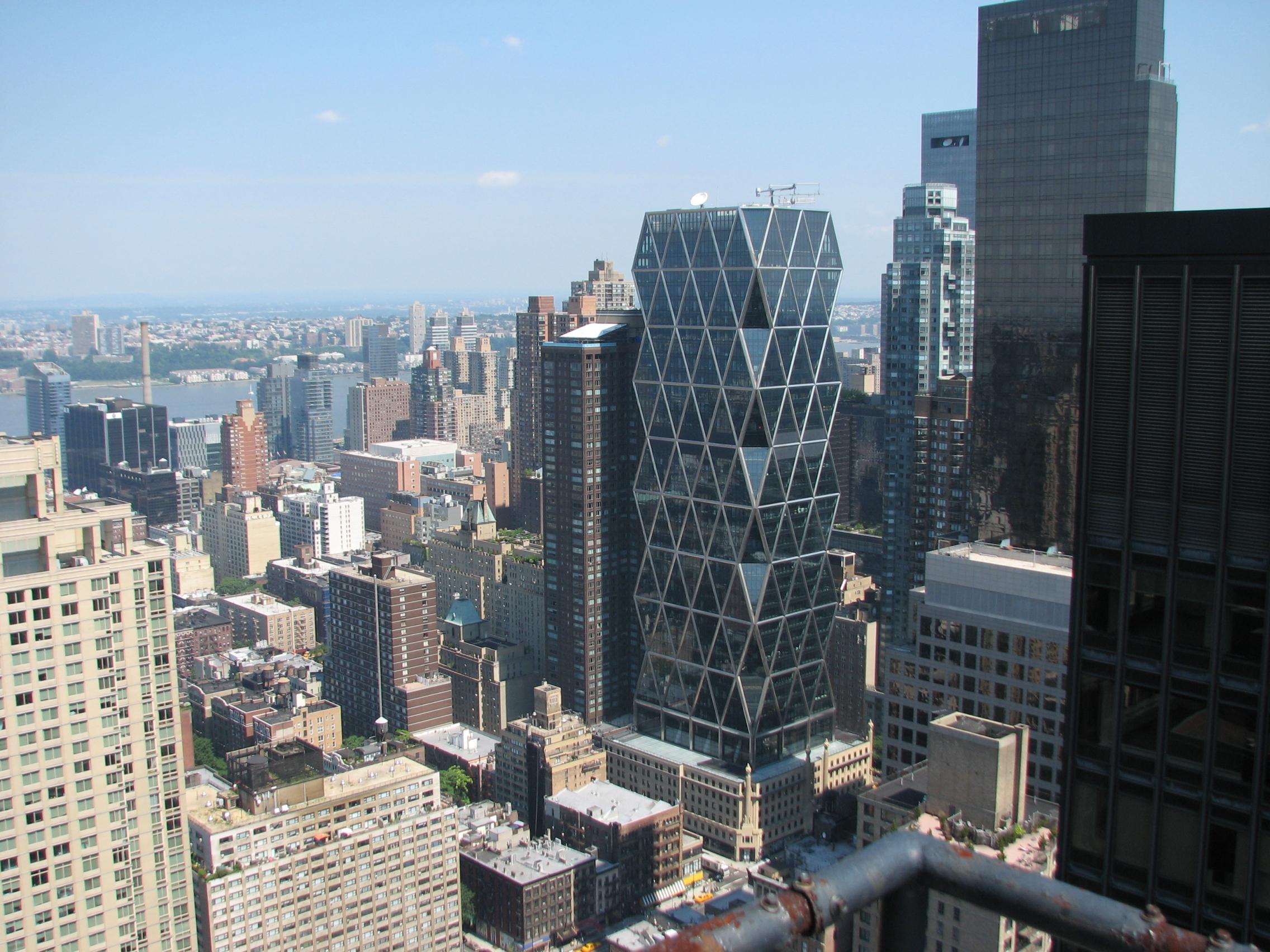 Здание корпорации Hearst в Нью-Йорке.  Архитектор Норман Фостер