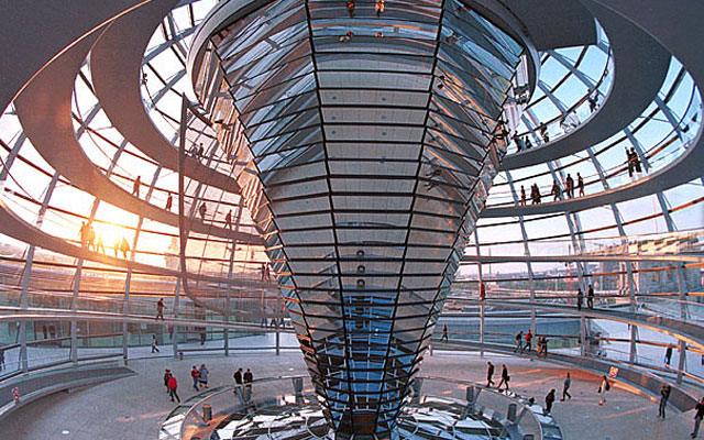 Купол Рейхстага в Берлине. Архитектор Норман Фостер
