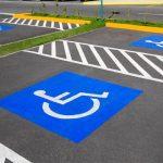 Минстрой России определит количество парковочных мест для МГН около общественных зданий.