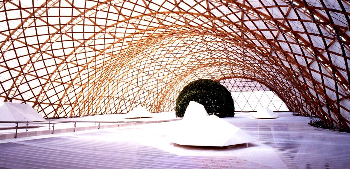 Оформлении японского павильона на Expo 2000 в Ганновере.
