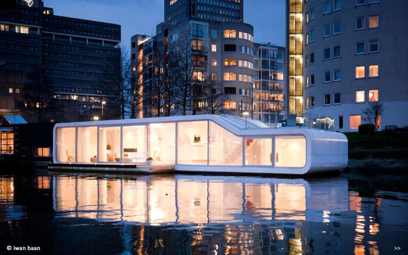 Невероятно оригинальный дизайн плавучего дома
