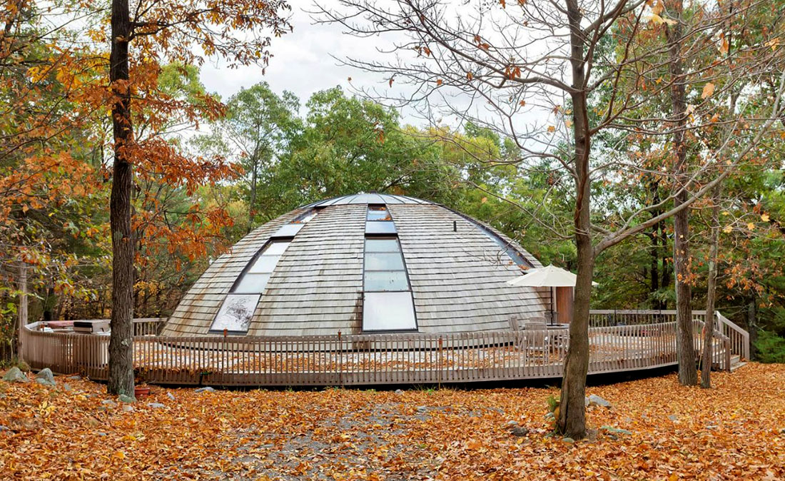 Экологичный дом вращающийся на 360 градусов  Domespace