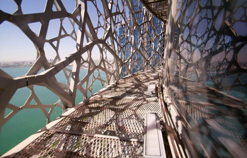 Металлическое кружево небоскреба Жана Нувеля