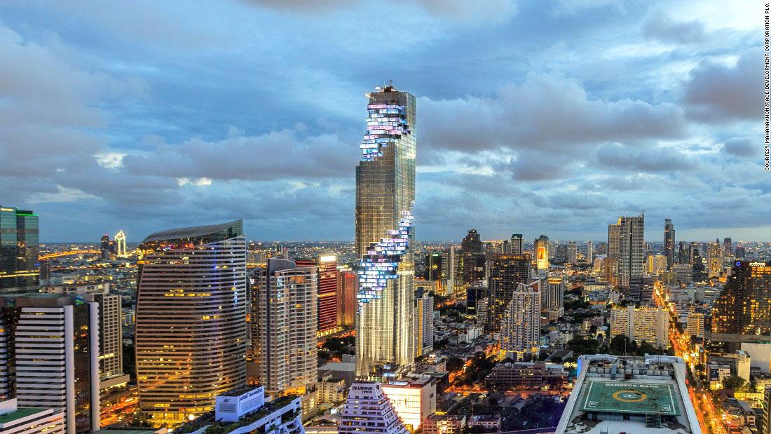 Пиксельный небоскреб в Таиланде