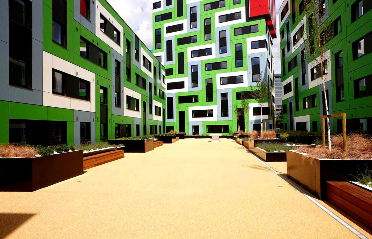 Оригинальные здания с использованием HPL панелей. Общежитие для студентов