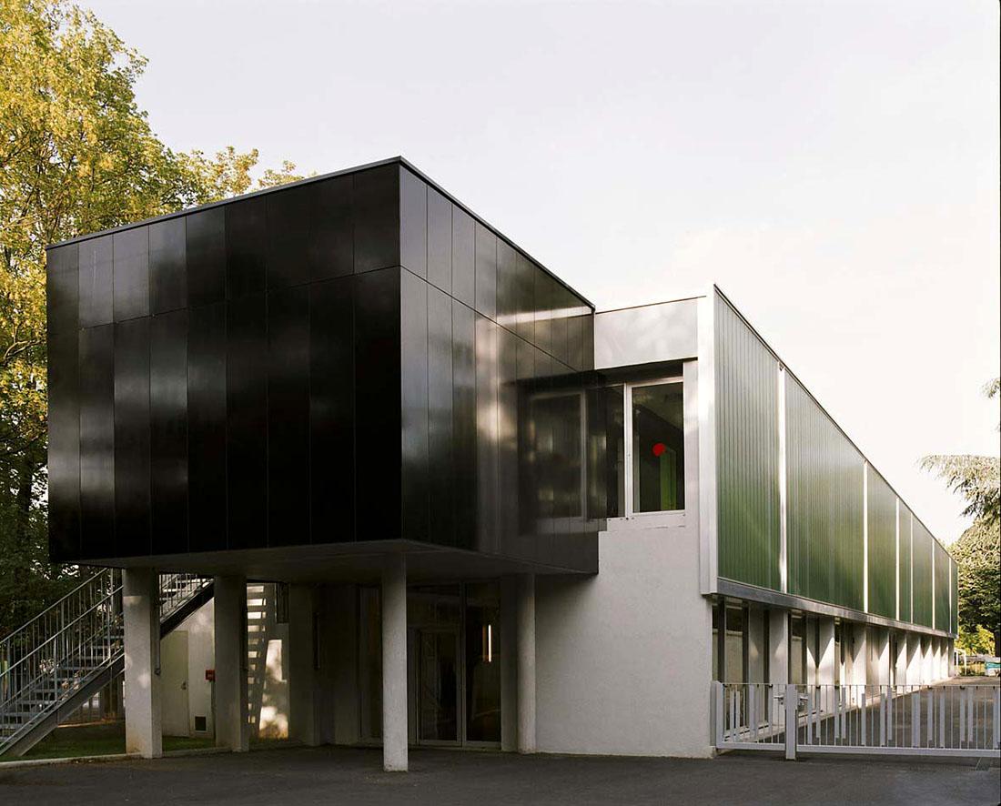 Оригинальные здания с использованием HPL панелей. Музыкальная школа